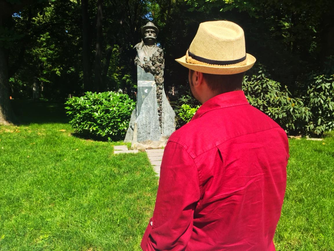 Любомир Чакъров в Цар Симеоновата градина