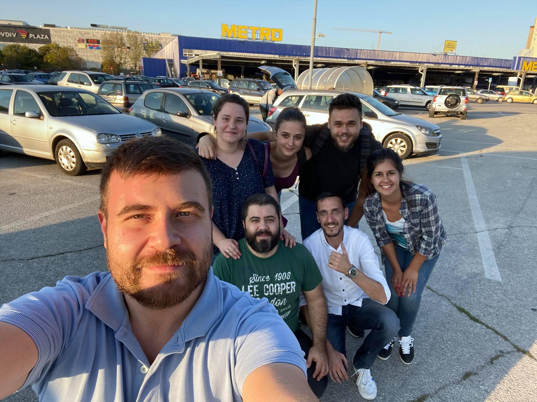 Любомир Чакъров, Васил Спасов и доброволци в кампанията Дари Дреха - Дари Топлина