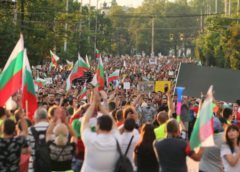 България има нужда от човеци, а не от политици